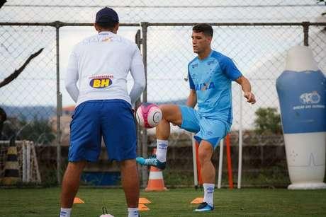 Em boa fase, Cruzeiro e Sport se enfrentam no Mineirão