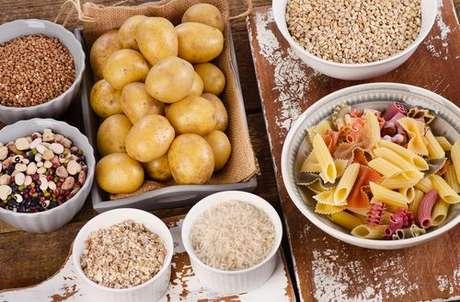 Alimentação e menopausa: alimentos ricos em carboidratos podem adiantar a menopausa