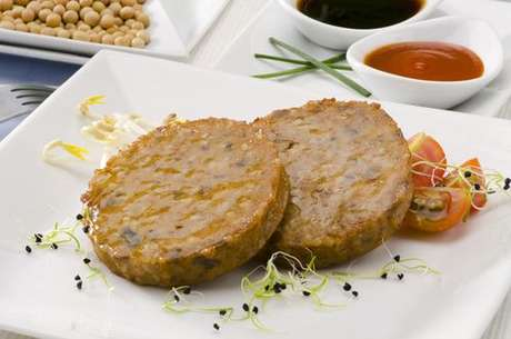 Produtos vegetarianos: hambúrguer de soja