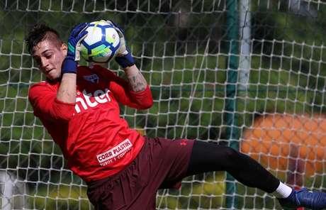 Goleiro atuou em seis dos 28 jogos do São Paulo no ano, mas só uma vez com Aguirre (Rubens Chiri/saopaulofc.net)