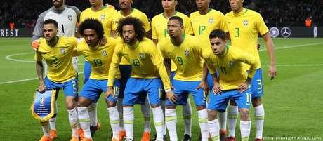Amistoso contra a Alemanha em março: apenas Daniel Alves, capitão na ocasião, não vai ao Mundial na Rússia