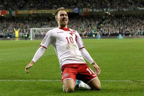 Eriksen é o principal nome da Dinamarca (Foto: PAUL FAITH / AFP)