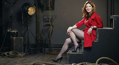Dana Delany, uma Lois bem elegante