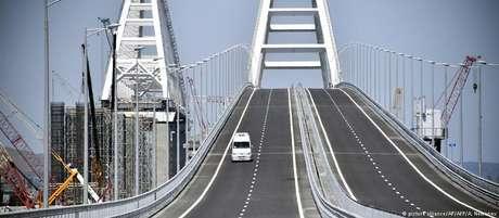 Ponte de ligação com a Crimeia custou 3,6 bilhões de dólares