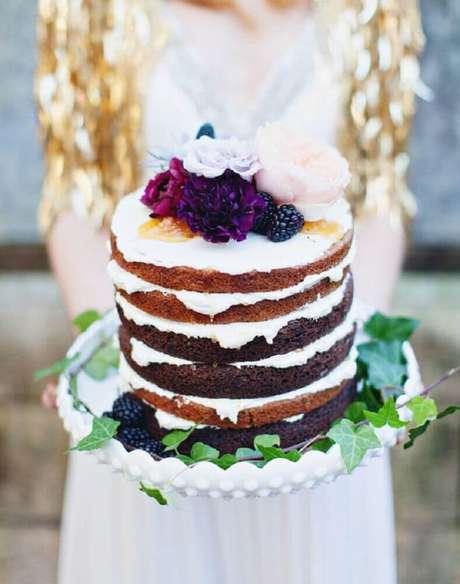 35. Lindo bolo rústico para casamento simples