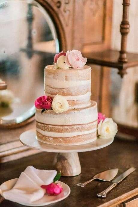 48. Decoração rústica para bolo simples de casamento