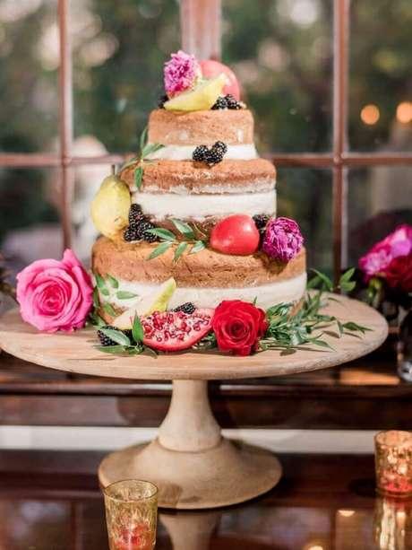 21. Algumas fotos de bolo de casamento são de dar água na boca