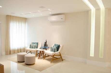 12. A parede de gesso também pode ter iluminação embutida