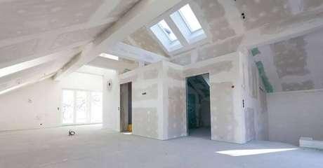 16. As paredes de gesso de drywall podem ser usadas de diversas formas na construção