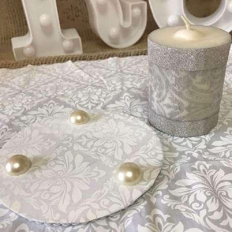 6. Artesanato com CD como base para colocar velas