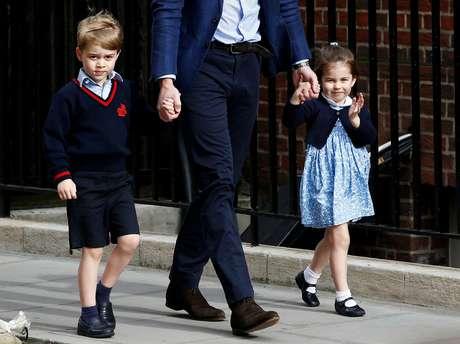 Filhos do príncipe William, George e Charlotte