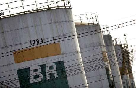 Tanks of Brazil's state-run Petrobras oil company are seen in Brasilia, Brazil, August 31, 2017. REUTERS/Ueslei Marcelino - RC1AF31BFC00