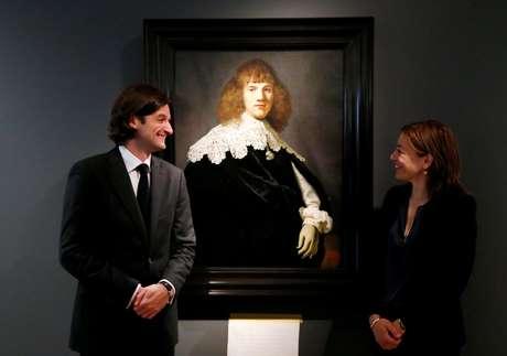 """Retrato de um jovem ruivo bem-vestido foi apresentado nesta quarta-feira como o primeiro Rembrandt """"novo"""" a vir à tona desde 1974."""
