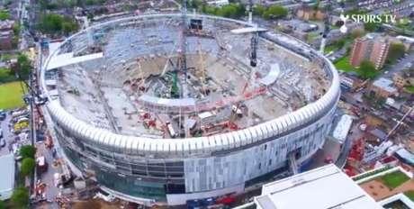 Tottenham divulga imagens da construção do novo estádio (Foto: Reprodução / Twitter)