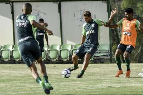 Rafael Moura voltou as atividades nesta quarta-feira (Foto: Divulgação)
