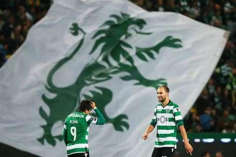 Jogadores do Sporting Lisboa são agredidos por torcedores