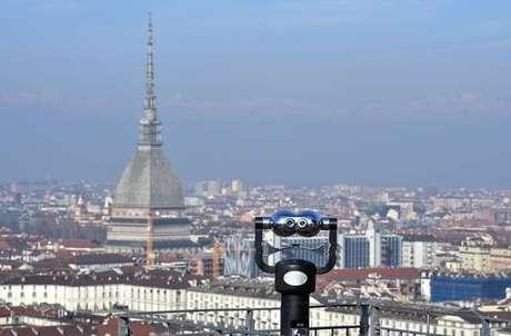 Nuvem de poluição sobre a cidade de Turim, na Itália