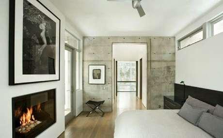 55. Decoração minimalista para casas com lareira