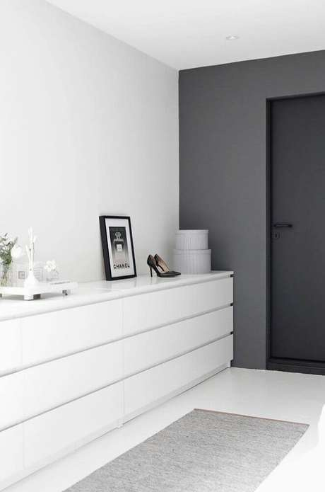 21. Casas minimalistas decoradas com tons neutros