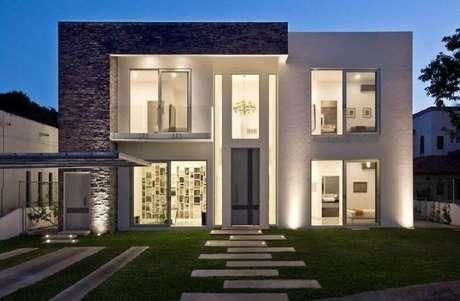 17. Inspiração de fachada de casas minimalistas