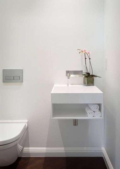 50. Minimalismo para decoração de banheiro