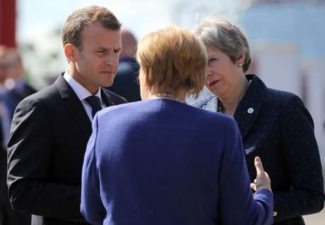 Presidente francês, Emmanuel Macron, premiê britânica, Theresa May, e chanceler alemã, Angela Merkel, em Sófia 17/05/2018 REUTERS/Stoyan Nenov