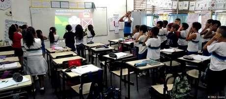 Alunos durante a aula da alemão: bons resultados obtidos pela escola a credenciaram a receber o projeto