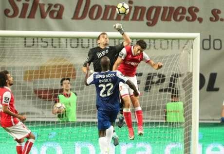 Iker Casillas mais um ano no Dragão, adianta JN