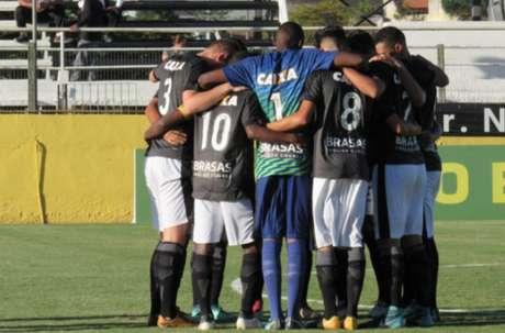 Botafogo precisa alijar boa vantagem do Corinthians (Foto: Divulgação / Botafogo)