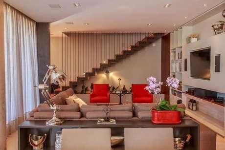 30. Poltronas para sala de estar vermelhas. Projeto de WT Studio