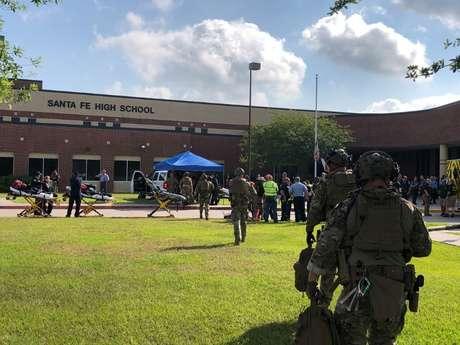 Forças de Segurança em escola de Santa Fé, no Texas