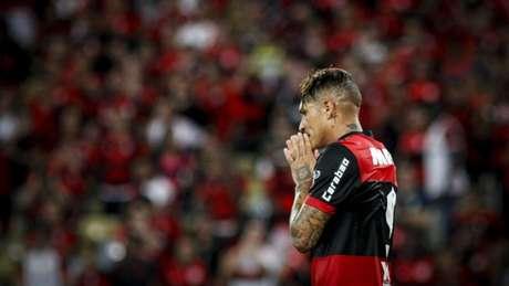 Paolo Guerrero não deve mais defender o Flamengo (Foto: Luciano Belford/AGIF)
