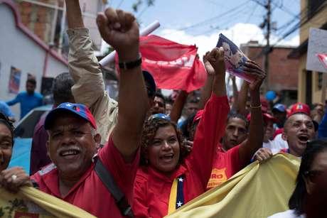 Simpatizantes do presidente venezuelano, Nicolás Maduro, durante manifestação em Caracas 16/05/2018 REUTERS/Carlos Garcia Rawlins