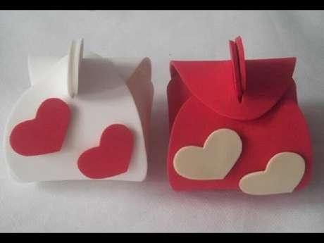 47. Modelos de caixinhas para lembrancinhas de casamento em eva
