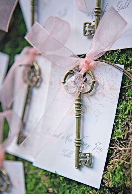 20. Linda ideia de chaveiros como lembrancinhas para casamento