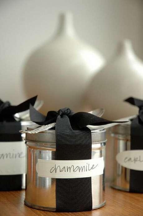 28. Potinhos de alumínio de lembrancinhas para casamento