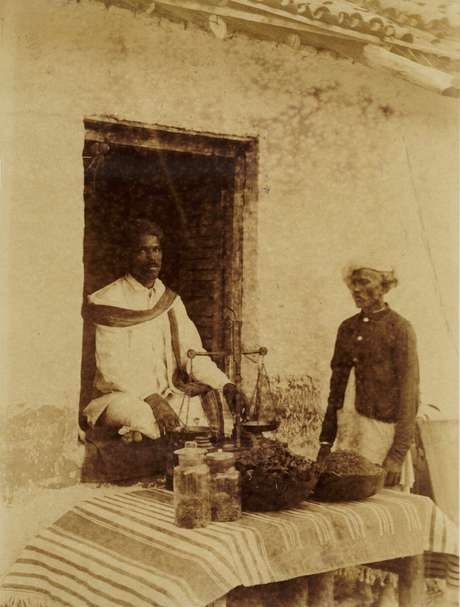 Vendedor de cannabis na Índia, em meados do século 19