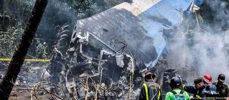 Acidente provocou a morte de 110 pessoas - entre elas 99 cubanos e seis tripulantes mexicanos.