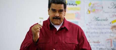 Maduro, que espera garantir mais um mandato de seis anos, vota em Caracas