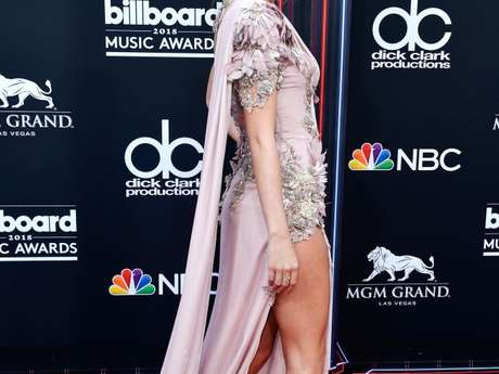 De surpresa, Taylor Swift aparece no Billboard Music Awards 2018 e rouba os flashes