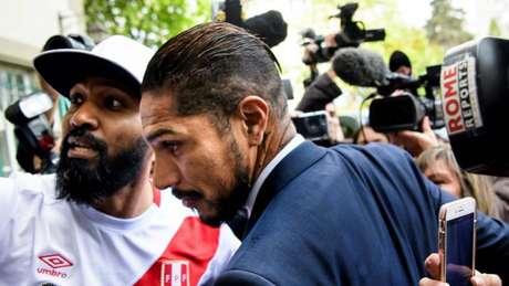 Paolo Guerrero está de volta à Suiça, onde encontrará o presidente da Fifa (Foto: Divulgação)