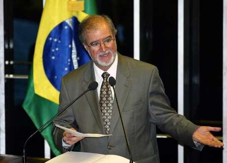Ex-governador de Minas Gerais Eduardo Azeredo 25/10/2005 REUTERS/Jamil Bittar