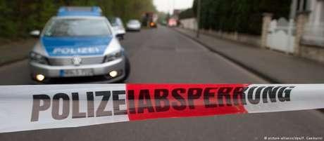 Polícia de Dresden estabeleceu um perímetro de segurança e moradores num raio de 800 metros tiveram de deixar suas casas
