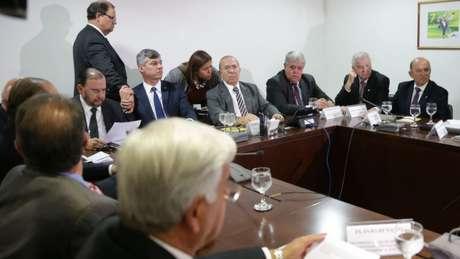 Ministros Eliseu Padilha (Casa Civil) e Carlos Marun (Secretaria de Governo) reuniram-se com representantes dos caminhoneiros nesta quarta