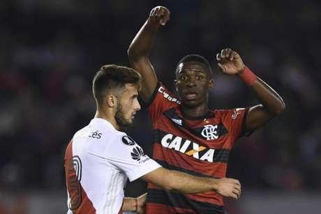 Vinícius Júnior foi um dos destaques do Flamengo na partida contra o River Plate (AFP)