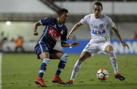 Santos protagoniza uma das piores partidas do ano e só empata com o Garcilaso na Libertadores (Foto: AFP)