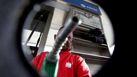 O preço da gasolina depende de muitos fatores, como os subsídios ou impostos governamentais