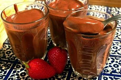 Chocolate quente com creme de leite supercremoso