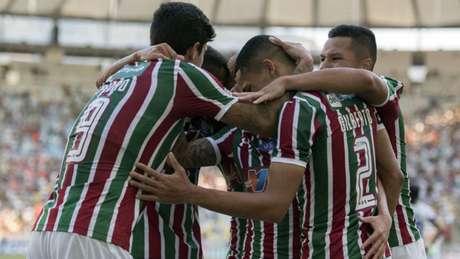 Com dois gols de Pedro e um de Marcos Junior, Tricolor venceu a Chape (Foto: DELMIRO JUNIOR/PHOTO PREMIUM)