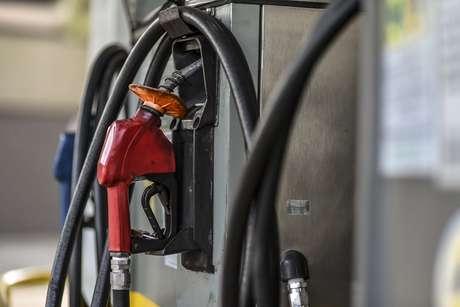 Governo decidiu reduzir em R$ 0,46 o preço do litro do óleo diesel